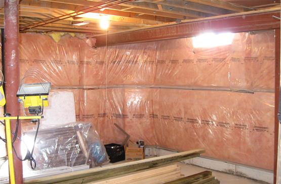 Basement insulation in toronto for Basement wall insulation blanket